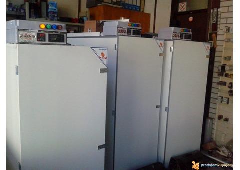 Inkubatori potpuno automatizovani za sve vrste jaja.