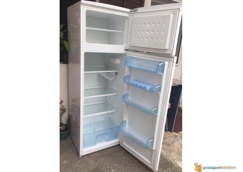 POVOLJNO prodajem kombinovani frižider