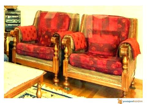 Prodajem trosed i dve fotelje