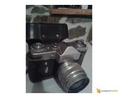 prodajem fotoaparat ZENIT E