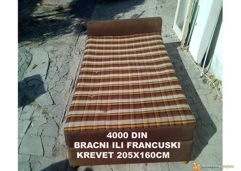 Podajem razne krevete,kauc,trosed,dvosed,francuski,fotelja