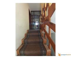 Na prodaju kuća u Sremčici, 300 m2