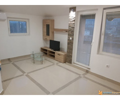 Jednoiposoban stan Mirijevski Bulevar, 33 kvm