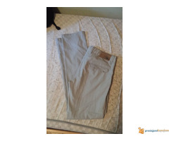 Pantalone i bermude (32, 34, 40)