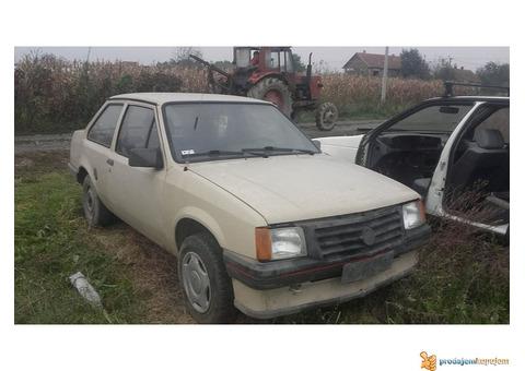 Opel kadet delovi