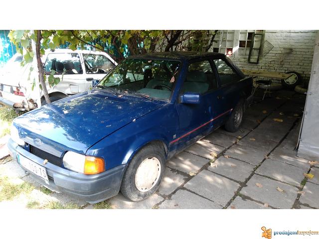 Ford Eskort 89 - 1/1