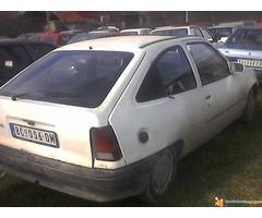 Opel Kadett delovi