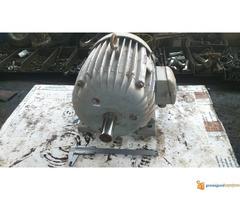 Dvobrzinski trofazni elektromotor