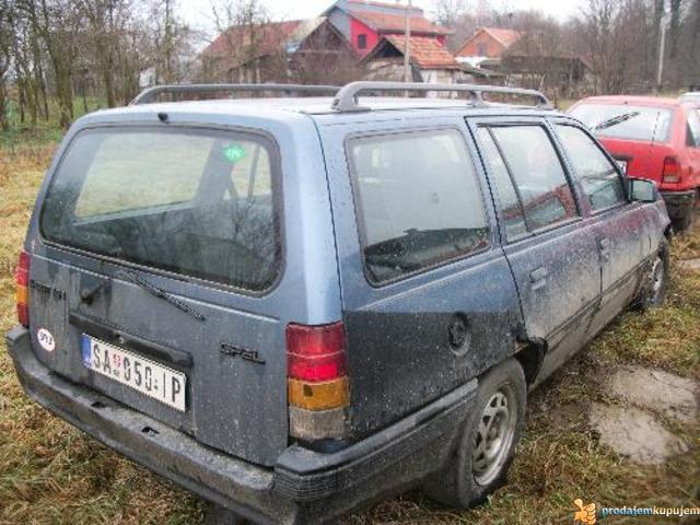 Opel kadet karavan delovi - 1/1