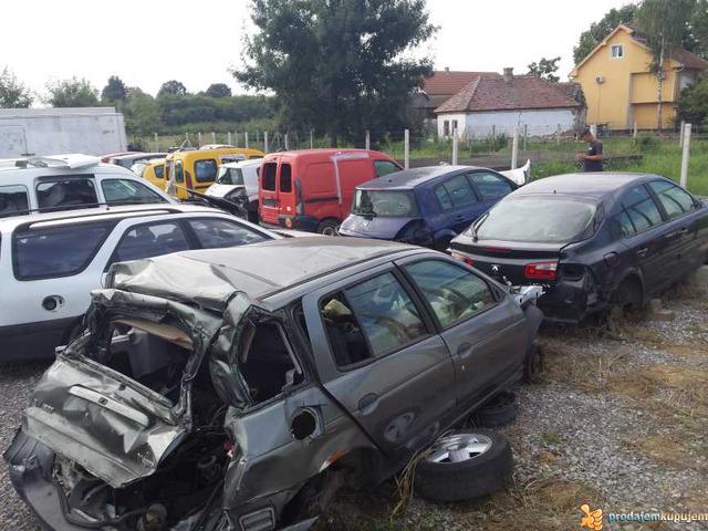 Polovni auto delovi Renault Sabac - 3/5