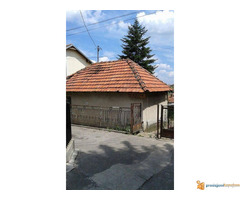 Kuća u Resniku na prodaju - Slika 2/4
