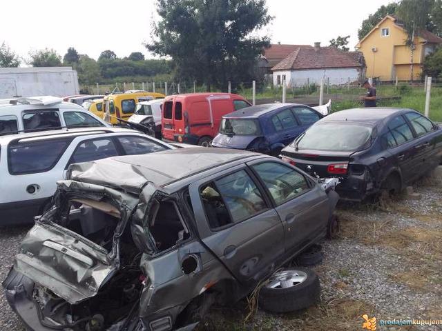 Renault Polovni Delovi Sabac - 3/5