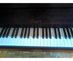 """Prodajem pianino marke """"GEYER"""" - Slika 4/4"""