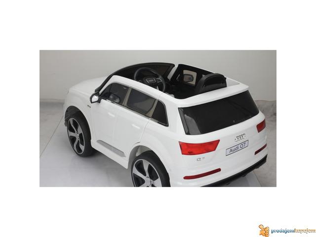 Audi Q7 Licensed na akumulator za decu Beli - 2/3