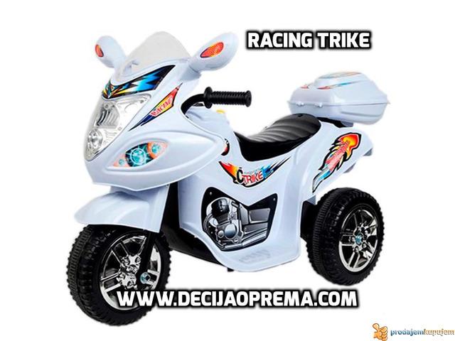 Motor za decu Racing Trike Beli - 1/1