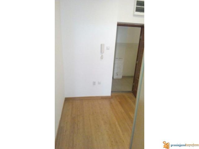 NOV 1,5 stan od 41 m2 u suturenu u Nišu! - 2/7