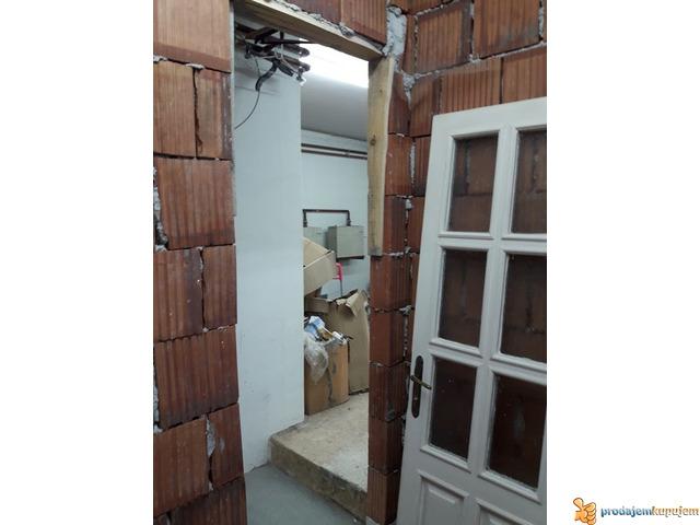 Stan od 60 m2 u prizemlju u D.Vrežini u Nišu! - 2/3
