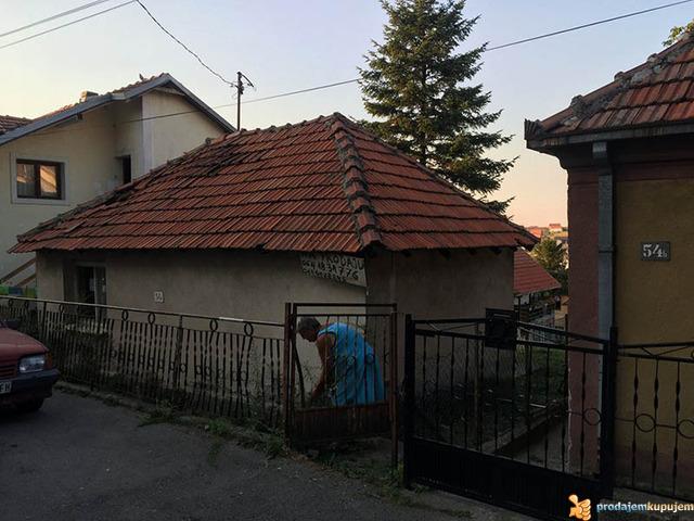 Kuća u Resniku na prodaju - 3/7
