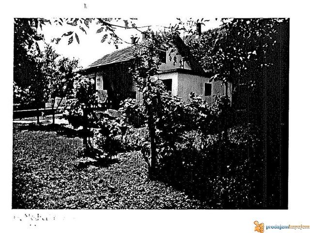 Prodaje se prizemna vikend kuća u Krnjevu - 1/2