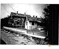 Prodaje se prizemna vikend kuća u Krnjevu