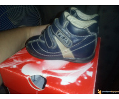 Prodajem  cipelice broj 19