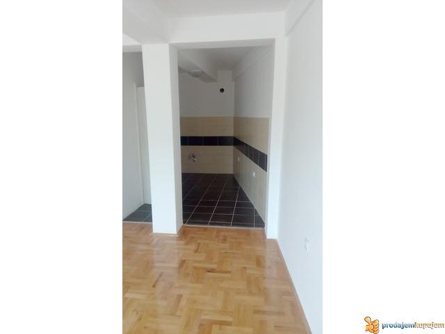 NOV 2,0 s od 52 m2 u centru Niša! - 2/6