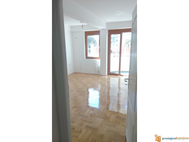NOV 2,0 s od 52 m2 u centru Niša! - 6/6