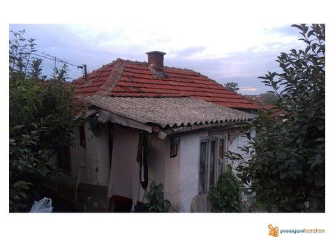 72 m2 kuća u centru Prokuplja!