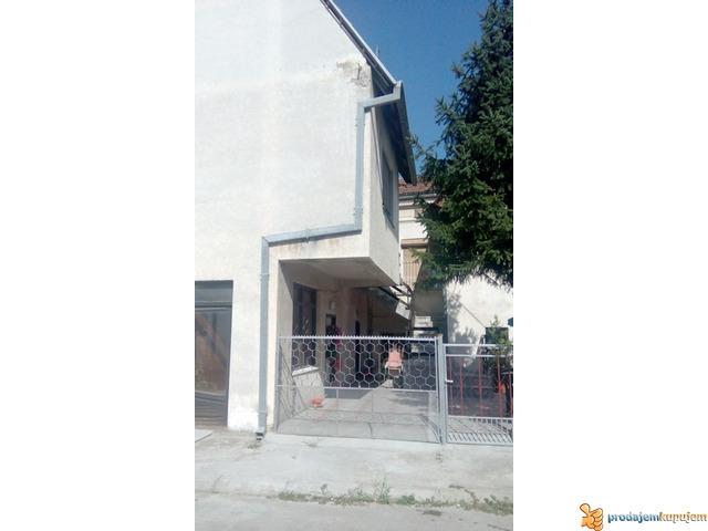 Kuća od 200 m2 na placu od 1,5 ari u Nišu! - 3/5