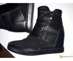 GUESS cizme
