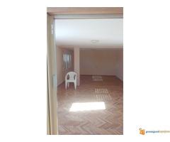POVOLJNO!!!Kuća od 340 m2 na 9 ari Durlan u Nišu!! - Slika 2/7