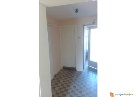 POVOLJNO!!!Kuća od 340 m2 na 9 ari Durlan u Nišu!!