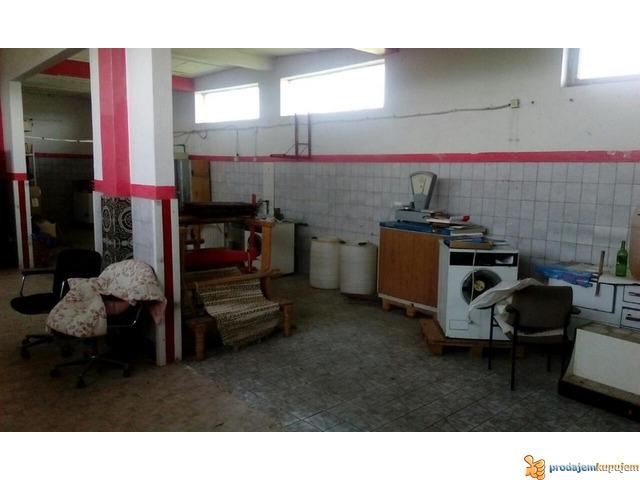 Stambeno-poslovni prostor od 1250 m2 na 18 ari u blizini Niša! - 2/7