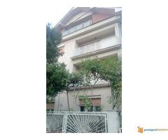 Kuće od 240 m2 i 70 m2 na 5 ari na Paliluli u Nišu!
